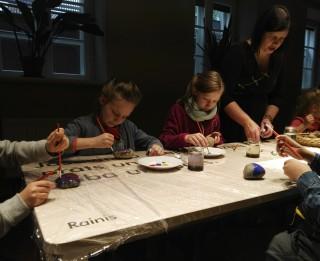 """Dailes teātris sadarbībā ar Raiņa un Aspazijas muzeju rīko radošo dzejas darbnīcu bērniem """"Aspazija un Rainis Dailes teātrī"""""""