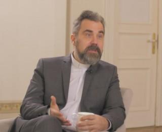 Video: Mācītājs Krists Kalniņš par to, kā pieņemt radušos situāciju valstī