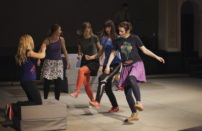 """Fotoieskats dokumentālajā dejas izrādē """"NOĶER MANI"""""""