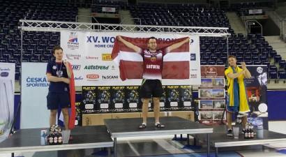 Caics - pasaules čempions galda hokejā