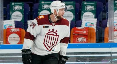 Skārlets atgriežas, 80 spēles NHL nospēlējušais Korado papildina ''Dinamo''