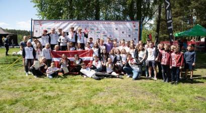 Latvijas orientieristi triumfē Baltijas čempionātā komandām