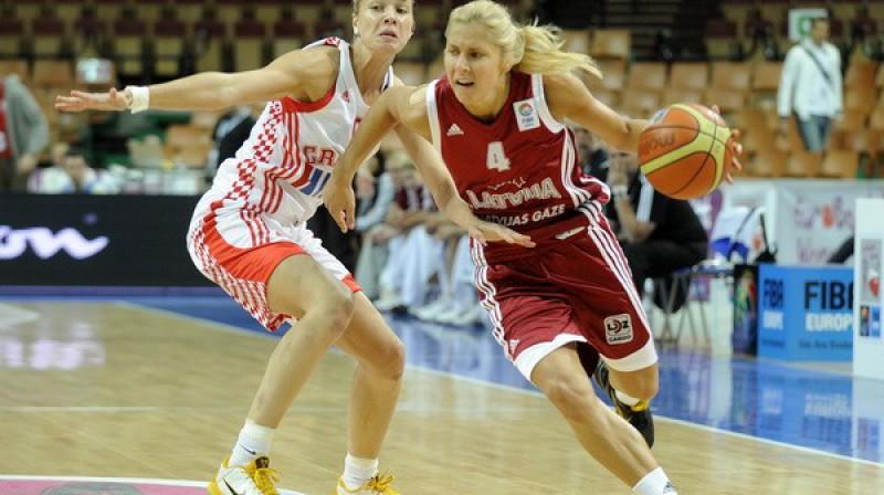 Ko Elīna Babkina iespēs šovakar? Foto: Romāns Kokšarovs, Sporta Avīze, f64