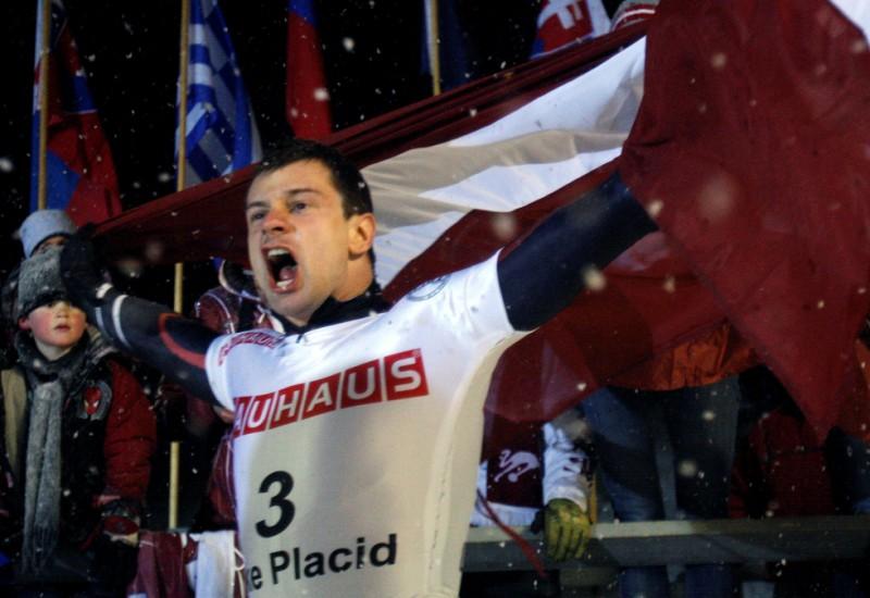 M.Dukurs kļūst par divkārtēju pasaules čempionu, Tomass piektais