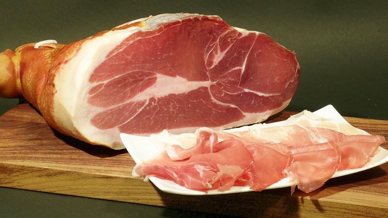 Ceļojums Eiropas tradīcijās– cik daudz zinām par jamon, prosciutto, foie gras un citām gaļas delikatesēm (+2 receptes)
