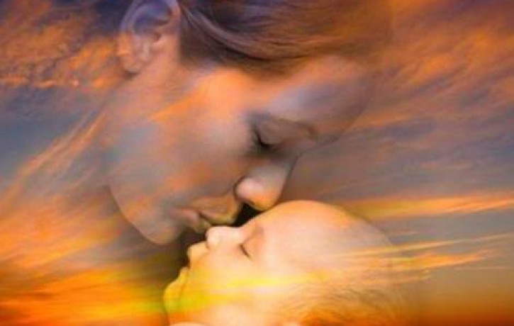 Mātes sirds - bezdibenis, kura dziļumos vienmēr atradīsies piedošana. Sveicam Māmiņdienā!