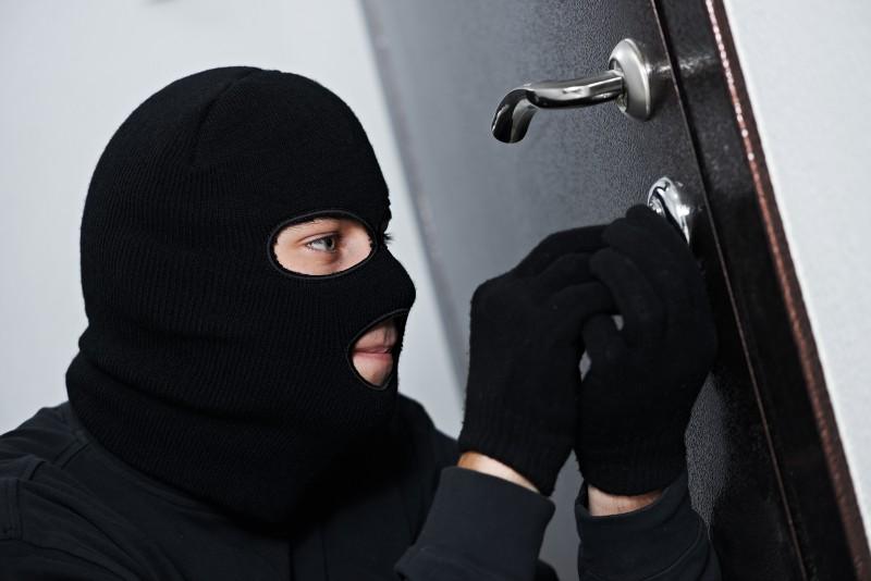 66% Latvijas iedzīvotāju uzskata – mājokļa apzagšana zagļiem nesagādā it nekādas grūtības