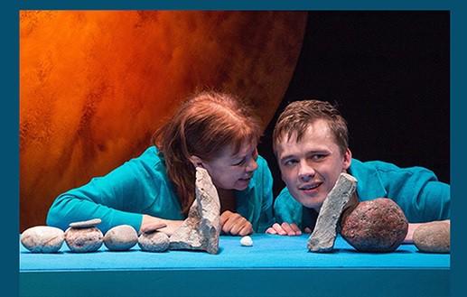 """""""Bērns vārdā Rainis"""" – Valmieras drāmas teātra izrāde Jasmuižā"""