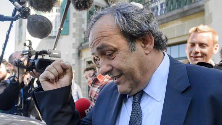 Platinī zaudē arī arbitrāžas tiesā un atstās UEFA prezidenta amatu