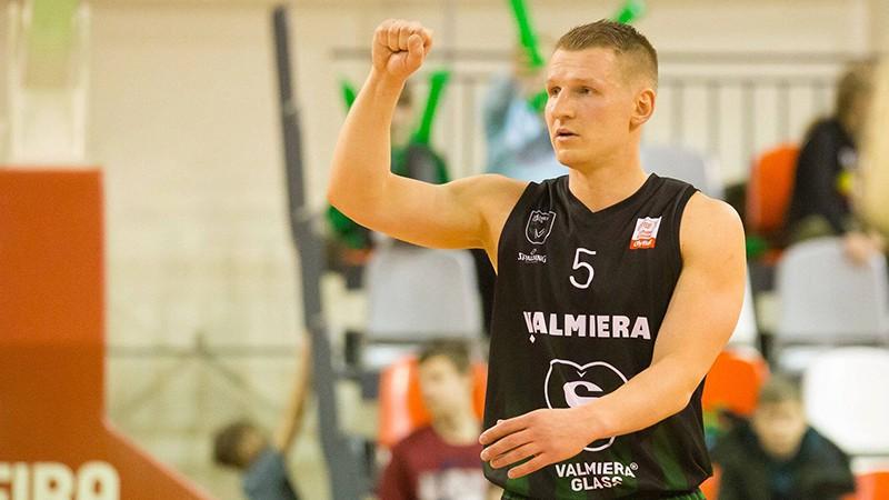 """""""Valmieras"""" līderis Jānis Kaufmanis pāriet uz Latvijas vicečempioni """"Ventspili"""""""