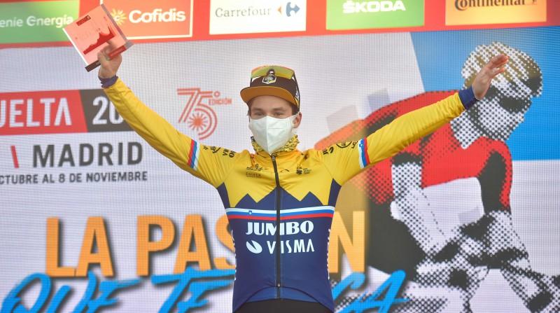 """""""Vuelta a Espana"""" čempions Rogličs uzvar 8. posmā un kopvērtējumā pakāpjas uz otro vietu"""