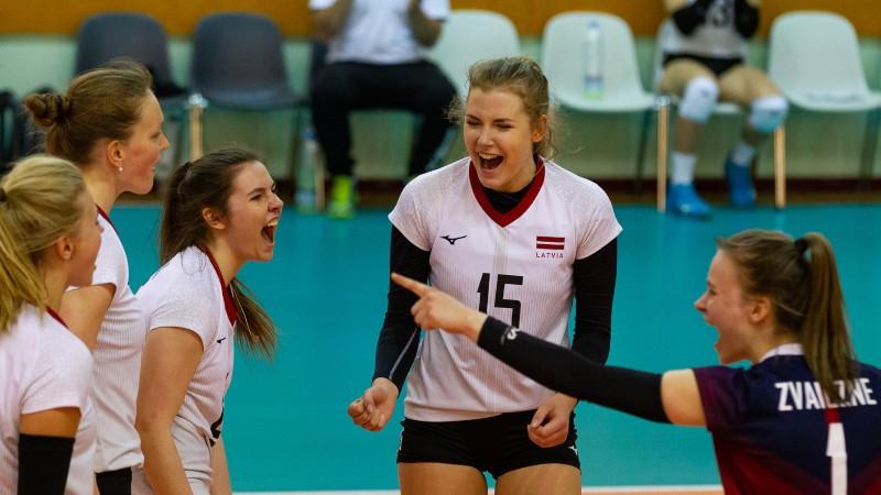 Latvijas sieviešu volejbola izlases kandidāšu sarakstā 22 spēlētājas