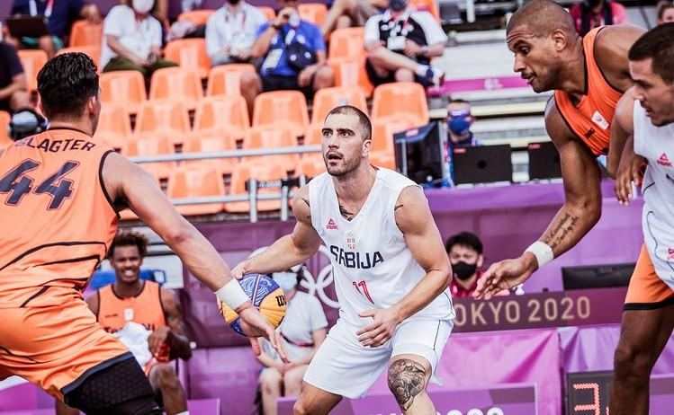 Beļģi garā pagarinājumā zaudē mājiniekiem, Serbijas 3x3 izlasei divas uzvaras