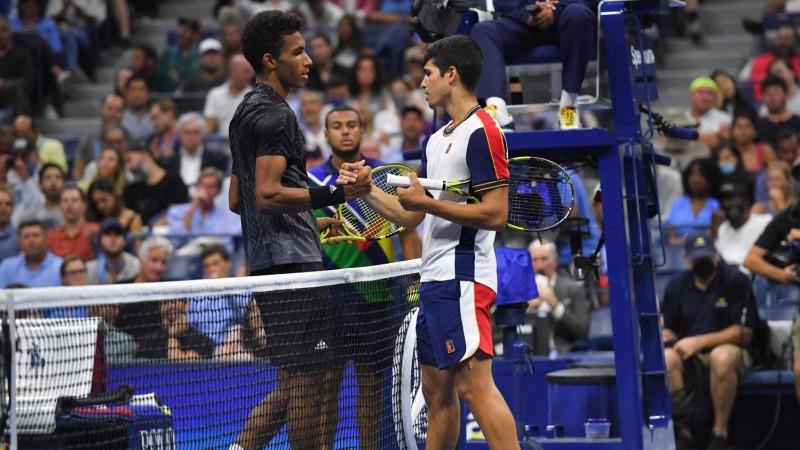 """Ožē-Aliasims pēc Alkarasa izstāšanās pirmoreiz iekļūst """"Grand Slam"""" pusfinālā"""
