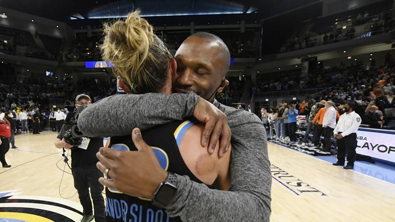 """Čikāgas """"debesis"""" aizklāj Konektikutas """"sauli"""": Veids izslēdz WNBA favorīti"""